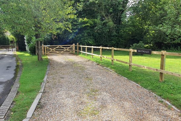 Electric Gates Pangbourne example showing an automatic gate installation inPangbourne